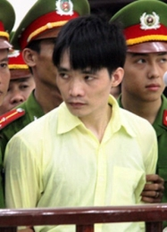07- Sieu tron _ang Ngoc Tan tai toa.